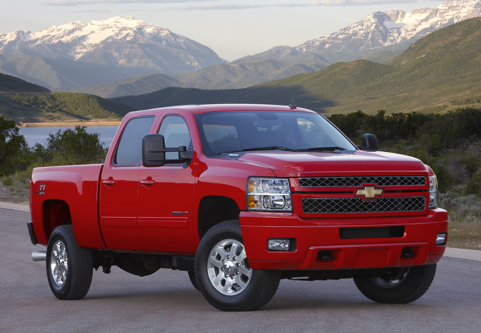 hight resolution of cars compared to 2014 chevrolet silverado 3500hd