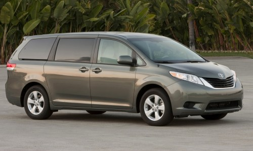 small resolution of 2014 toyota sienna front quarter view exterior manufacturer gallery worthy