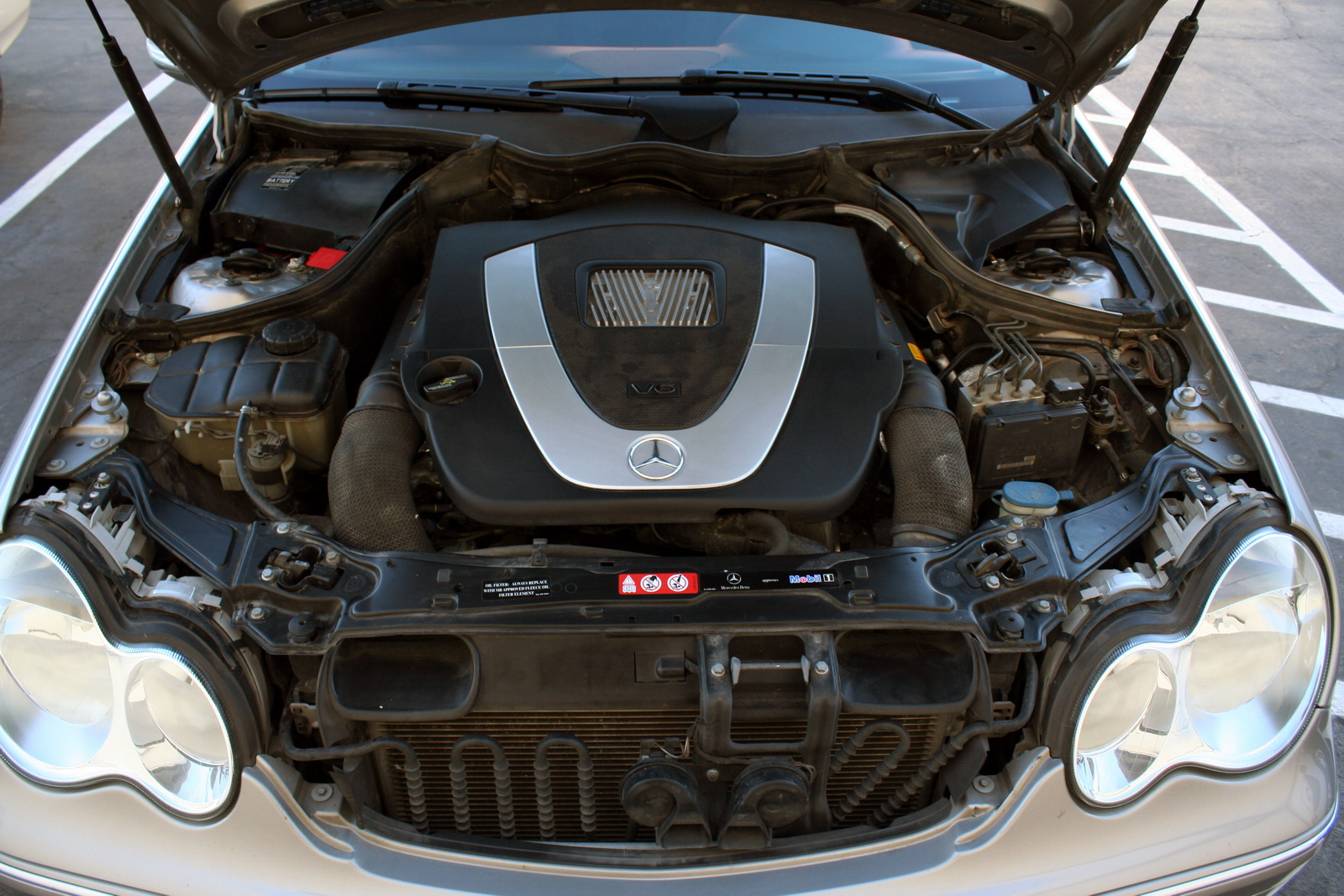 hight resolution of if it s a my2007 c230 it s a v6 your engine under the hood should look like this