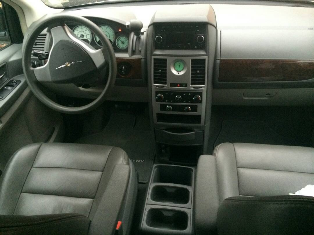 2009 Chrysler Town  Country  Review  CarGurus