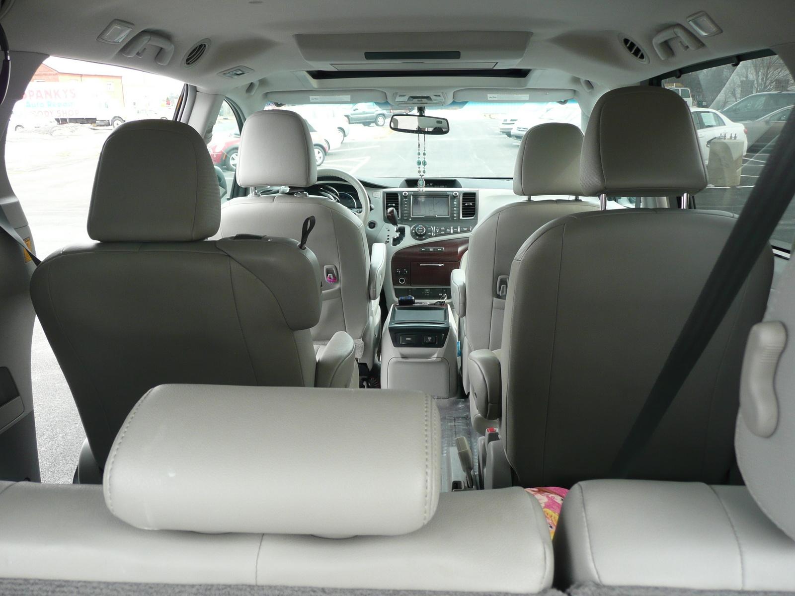 2011 Toyota Sienna Pictures Cargurus