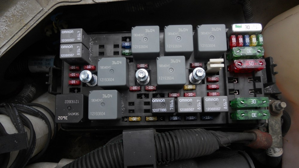 medium resolution of 2007 buick rainier fuse box