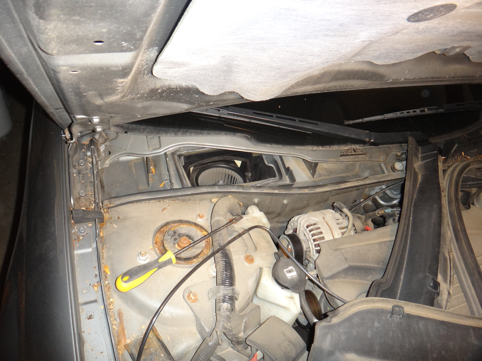 hight resolution of chevrolet impala questions clicking noise with ac on behind glove compartment cargurus