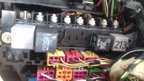 small resolution of  relays behind kick panel and as you can see their is no double relay only a space with a metal strip across contacts so not sure why thats in place