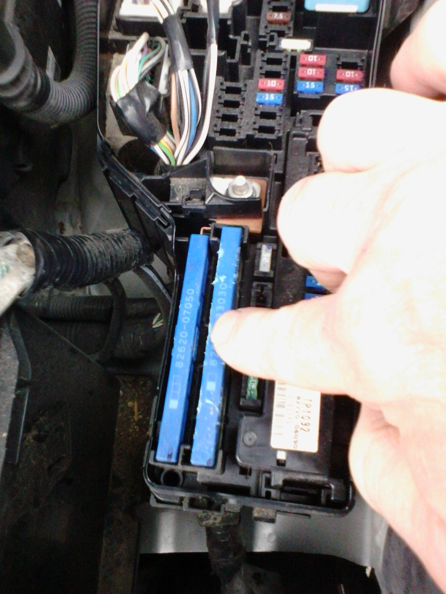 hight resolution of wrg 3749 90 camry le fuse box1 people found this helpful toyota camry