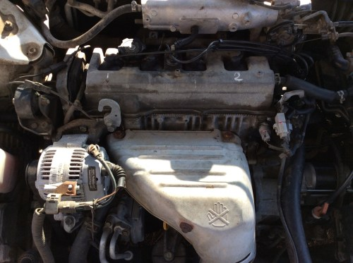 small resolution of i have a 1998 toyota camry le with a sohc 2 2 4 cylinder motor and i m trying to locate the camshaft sensor and the knock sensor so i can diagnose which one