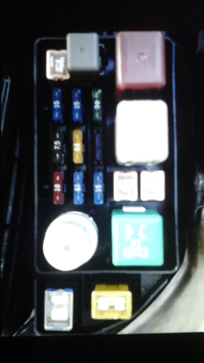 hight resolution of  toyota camry now car will lag on starting after engine gets warm i used a fuse box from a 94 i checked fuel pressure it s fine and fuses can some one