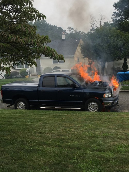 small resolution of oh here is the photo of 2005 dodge ram 1500 on fire
