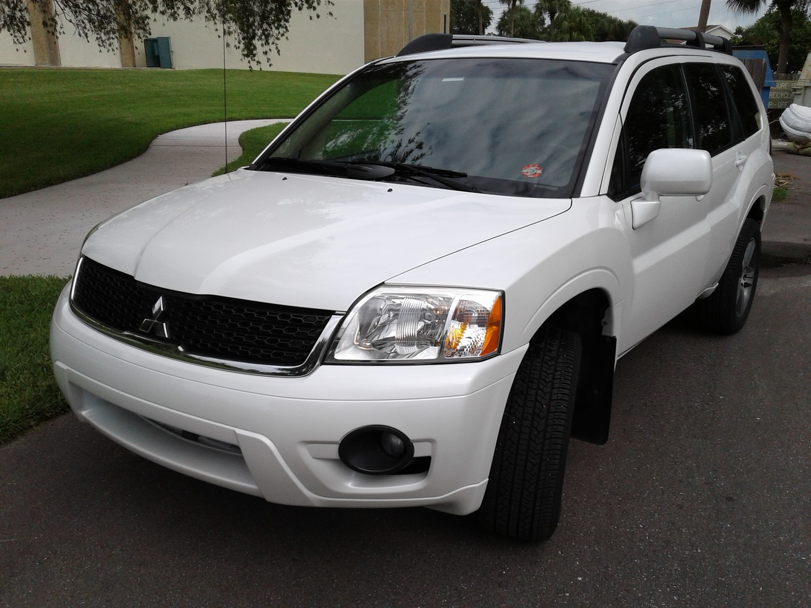 hight resolution of 2004 mitsubishi endeavor motor trend