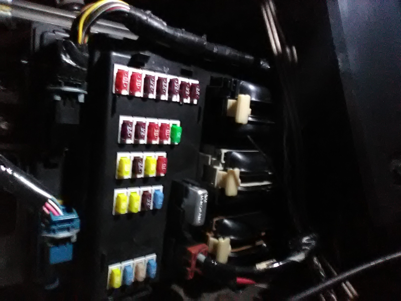 hight resolution of ford five hundred fuse box