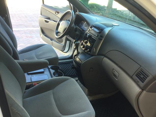 2009 Toyota Sienna  Interior Pictures  CarGurus