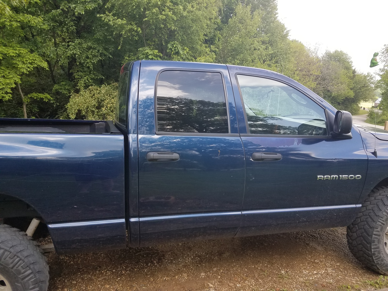 hight resolution of i recently purchased a 2006 dodge ram 1500 and an attempting to order nerf bars that imply they will only fit a quad cab i know it s a 4 7l with 4 doors