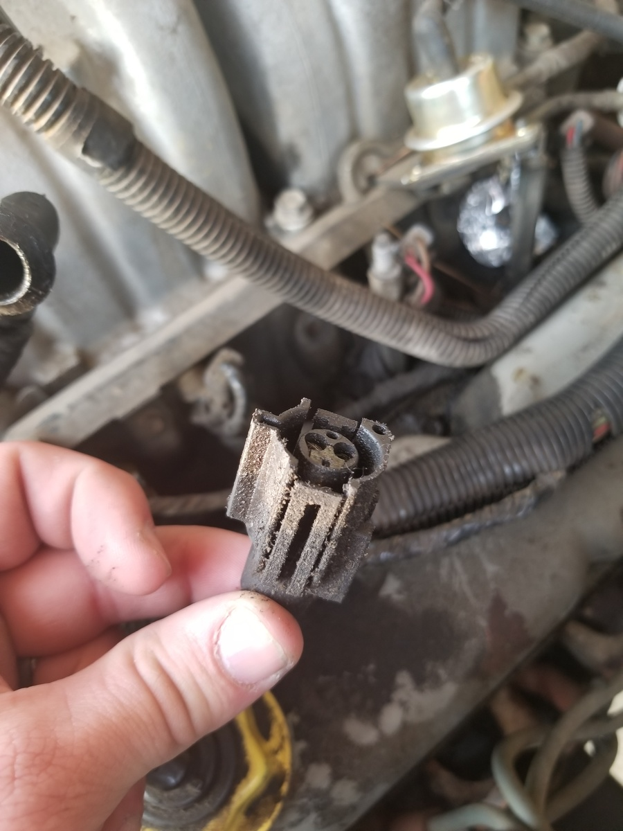 medium resolution of ford f 150 questions getting no spark out of the coil cargurus ignition coil diagram also 1992 ford f 150 spark plug wire diagram