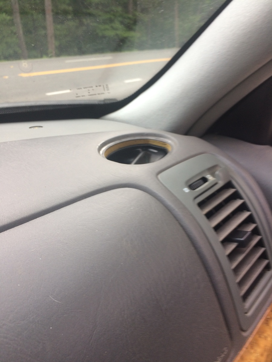 medium resolution of a piece of my top vent in my dash shattered and fell into it how do i get it out