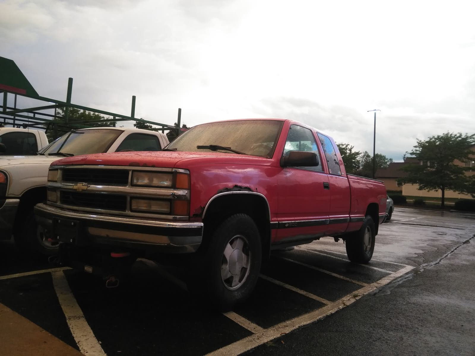 hight resolution of this is the 1996 red i m not fully sure which it is my insurance place said it was the sport utility ext cab and it has the 5 7 and it s z71 4x4 2 wheel