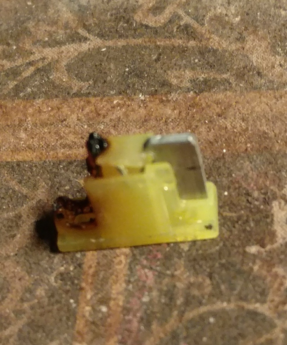 medium resolution of  27 fuel pump relay fuse was fried had to pry it out changed fuse and it started right up