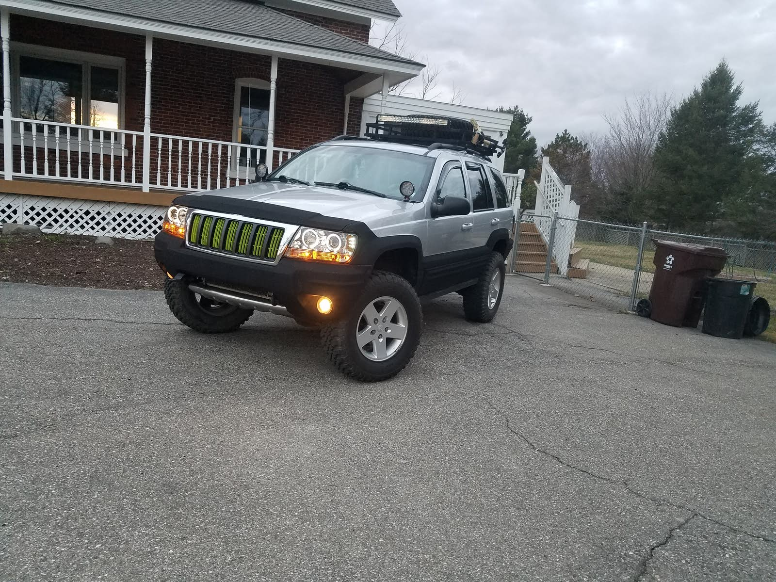 hight resolution of  2004 jeep grand cherokee limited and it says number 27 in the fuse box is rear fog lights but i don t have rear fog lights and numbers 27 is