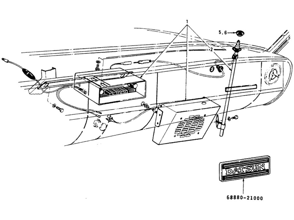 Datsun 510 Radio & Antenna