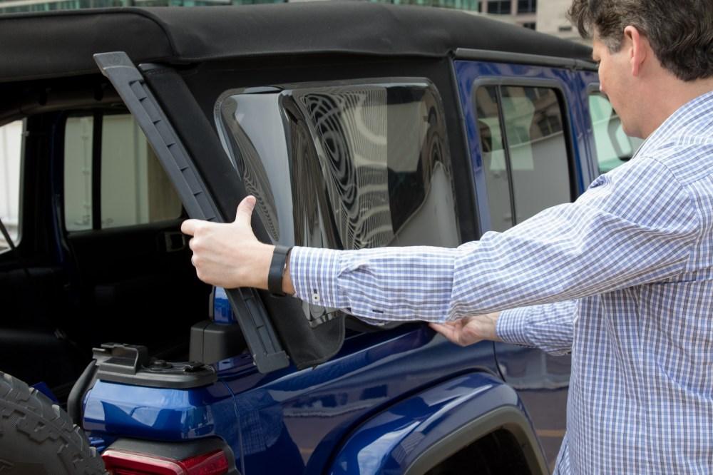 medium resolution of 19 jeep wrangler 2019 exterior retracting roof jpg