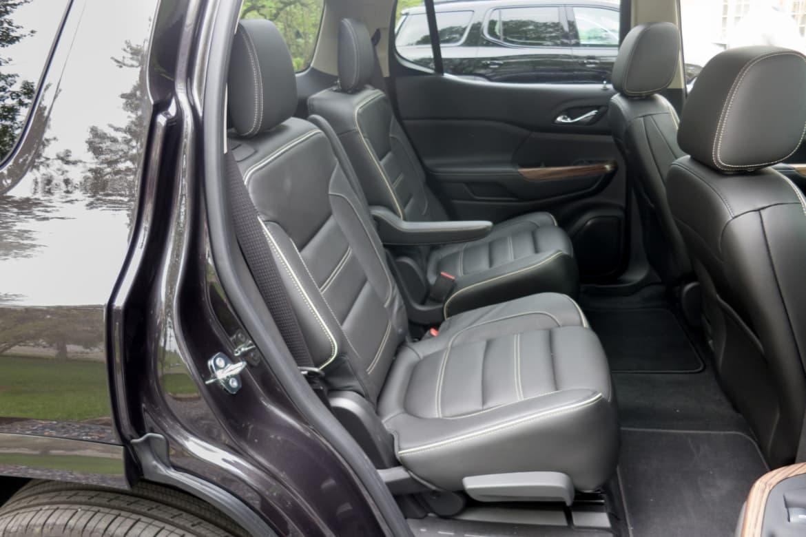 Suv With Captain Chairs Which 2017 Three Row Suvs Offer Captain S Chairs News Cars