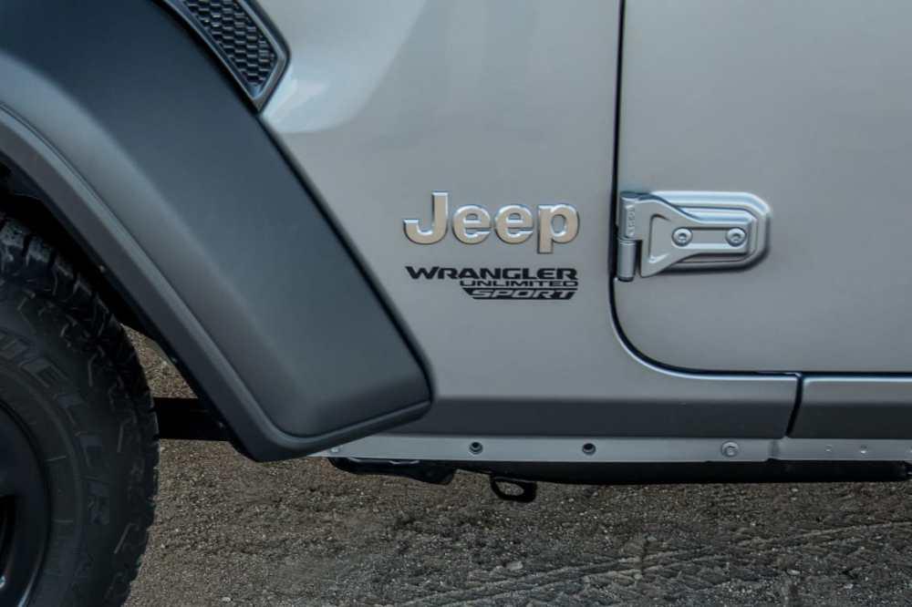 medium resolution of 14 jeep wrangler 2018 detail exterior silver jpg