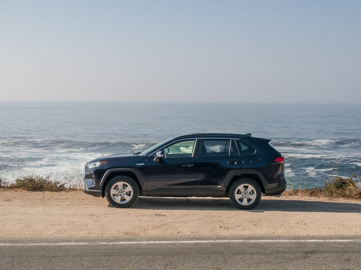 hight resolution of 02 toyota rav4 hybrid 2019 black exterior