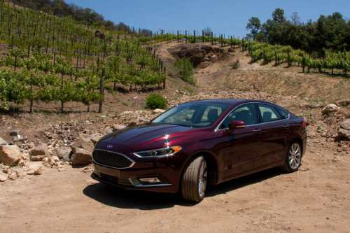 small resolution of better value 2017 ford fusion or 2017 lincoln mkz