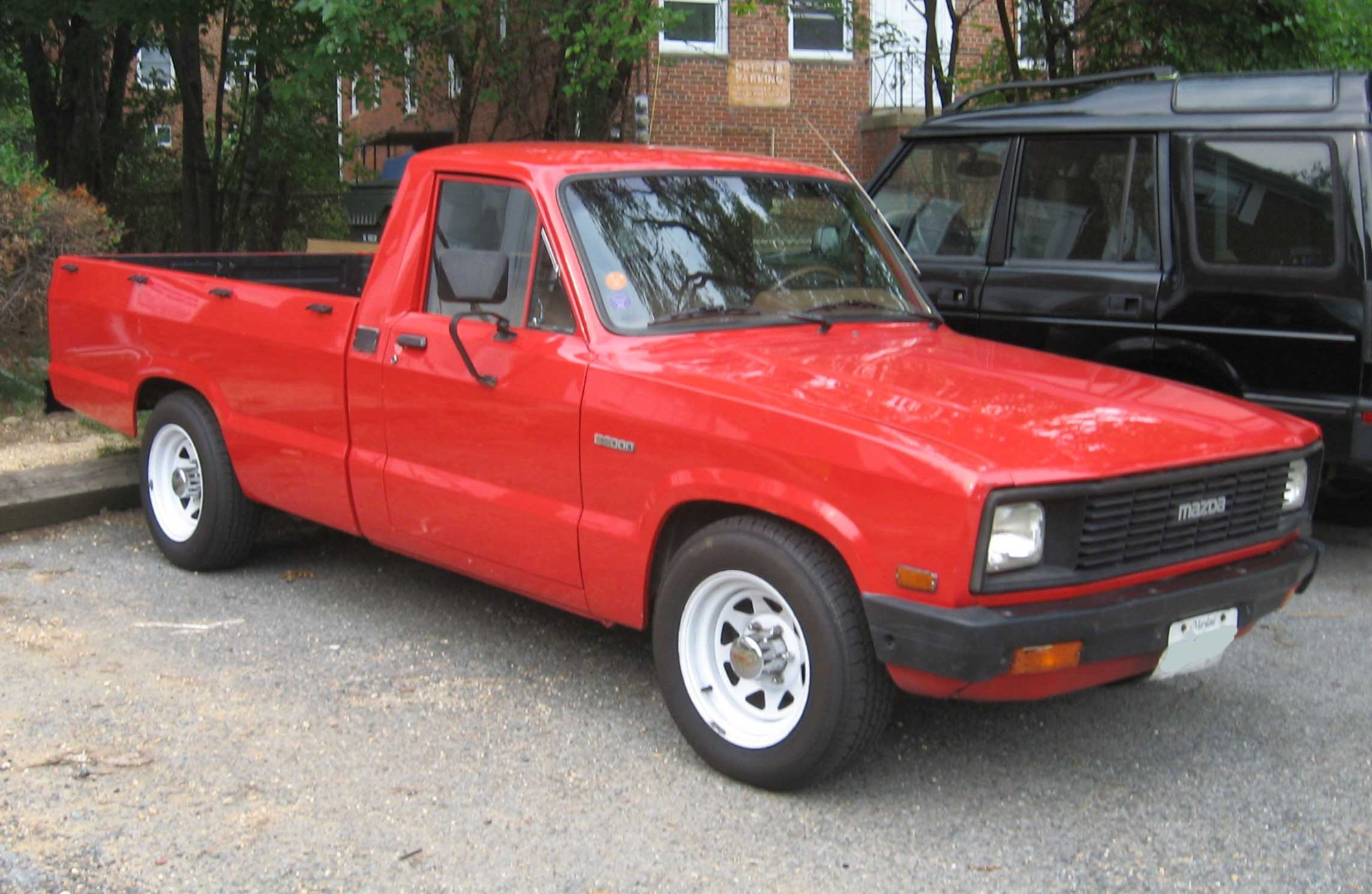 hight resolution of i plan on painting my 1982 mazda b2200 i would like to do the trim bed hooks bumpers wheels and smoke stack black and paint the body white sorta like