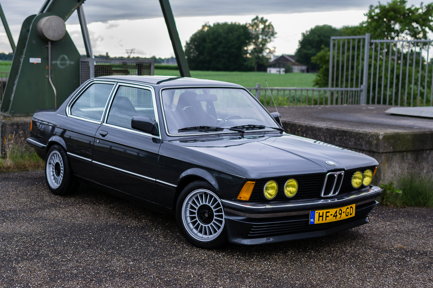 hight resolution of bmw e21