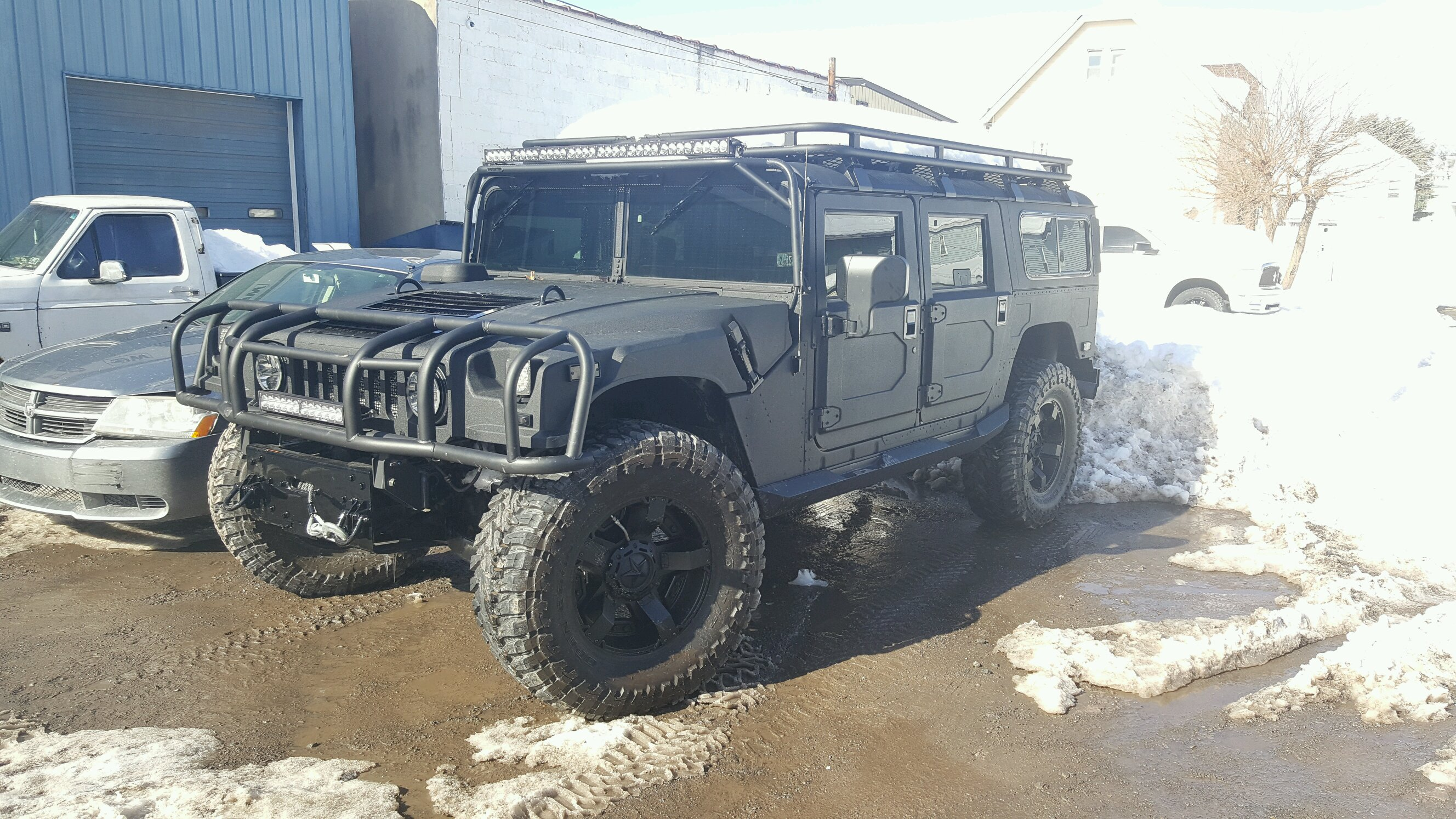 Saw this sick Hummer at a tire shop