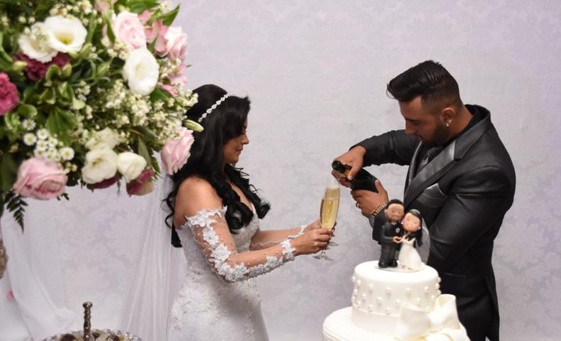 A hora do brinde - Casamento Adriana e Everton
