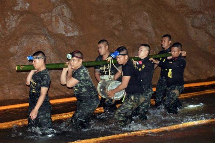 Resgate foi feito por mergulhadores profissionais