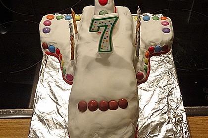 Geburtstagskuchen als Spaceshuttle oder Raketenkuchen