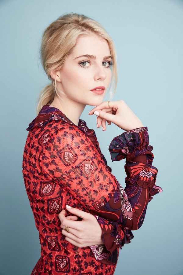 Iphone X Style Wallpaper For Iphone 6 Lucy Boynton Actor Cinemagia Ro