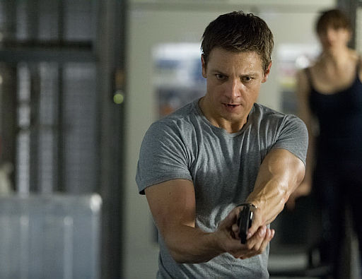 Jeremy Renner în The Bourne Legacy