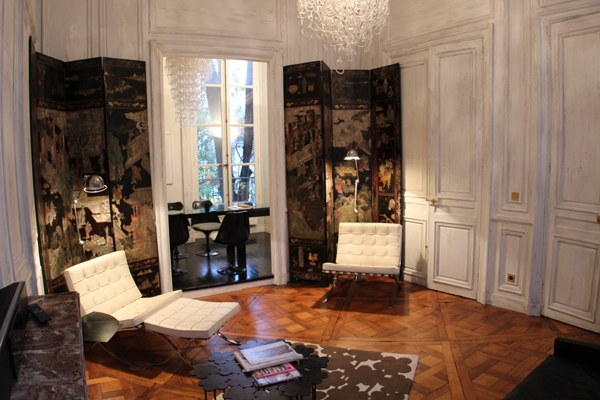 chair hair dryer folding director chairs with side table paris vacation rental: 2 bedroom, 6 ème - saint germain. apartment rentals in paris, find great ...