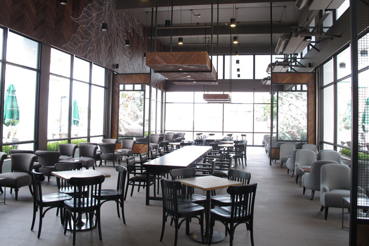 starbucks taichung zhongqing branch store inside interior seats windows