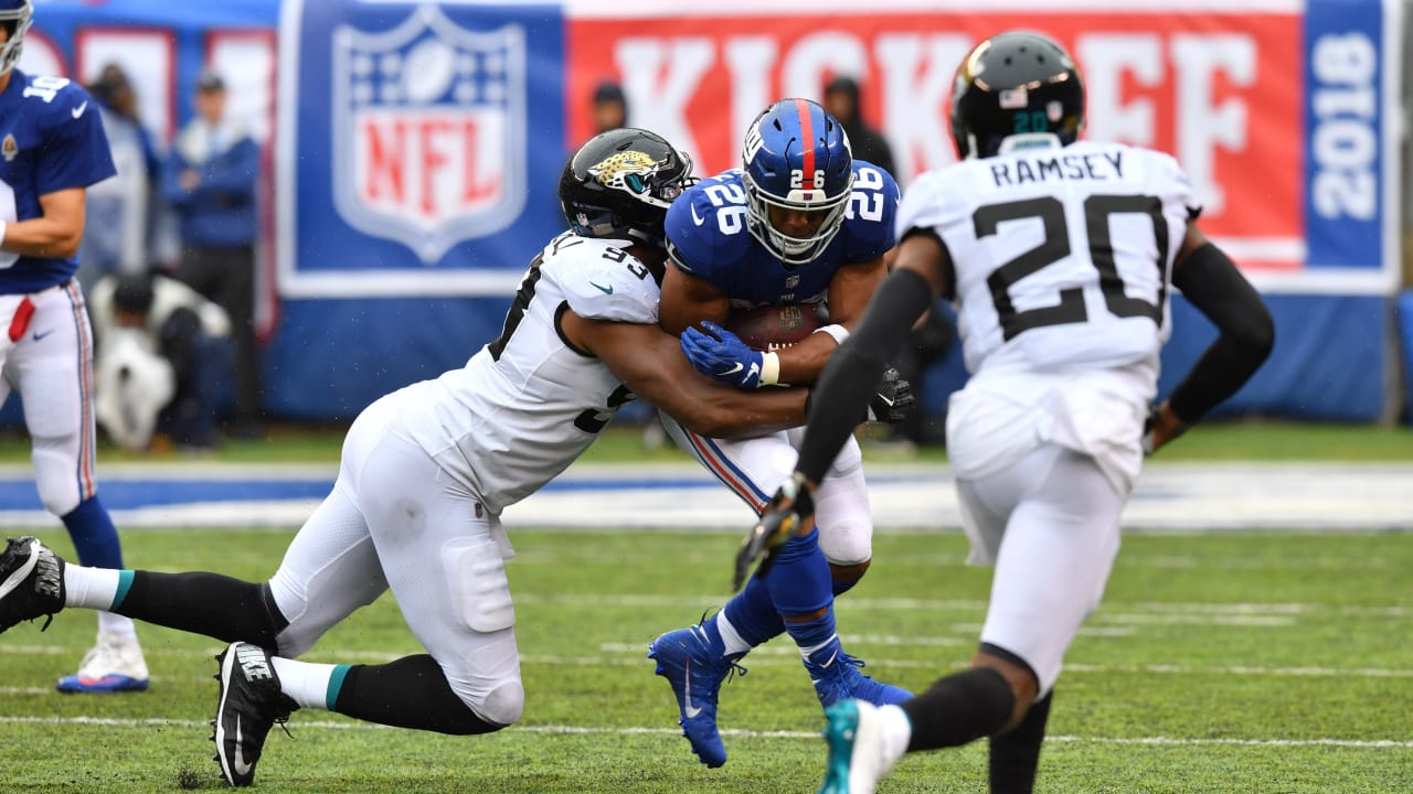 #, player, jkm, ovr, total. RB Saquon Barkley rushes for 18 yard gain