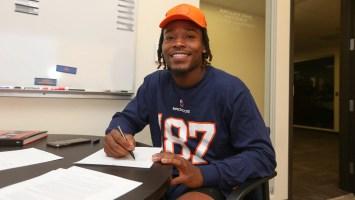 Broncos WR Juwann Winfree signs rookie contract