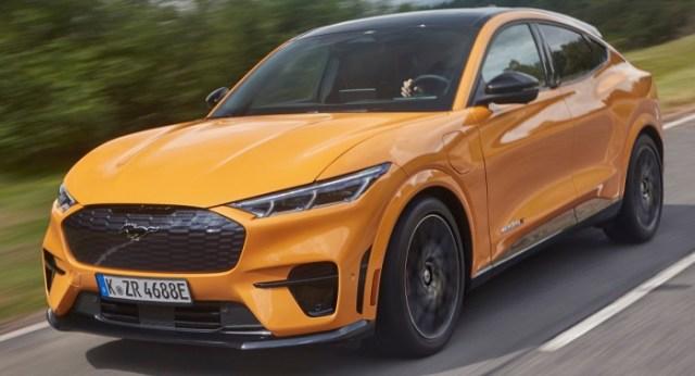 2021-Ford-Mustang-Mach-E-GT-01.jpg