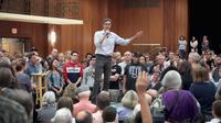 Beto O'Rourke at his meeting in Iowa