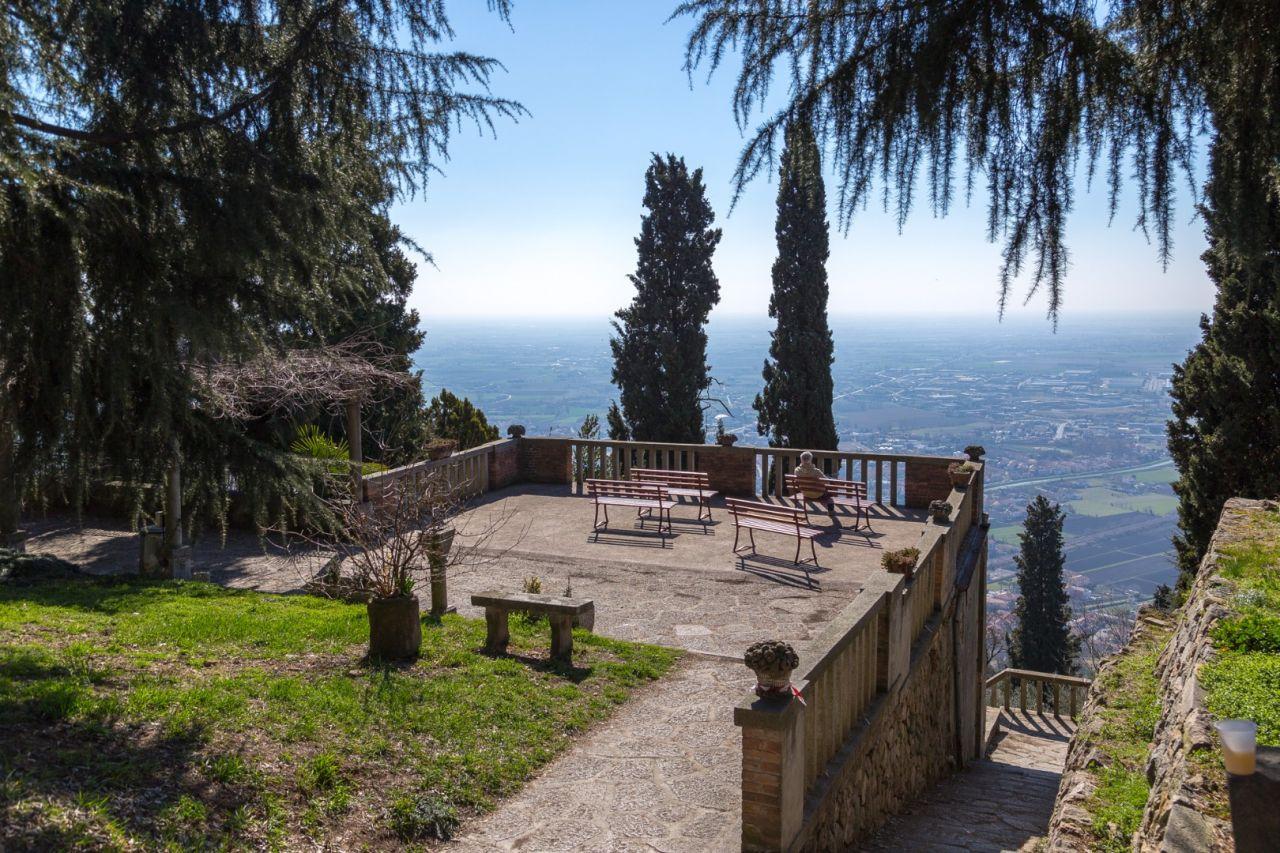 Sentiero del Monte Ricco e Monte Castello n6  Colli Euganei