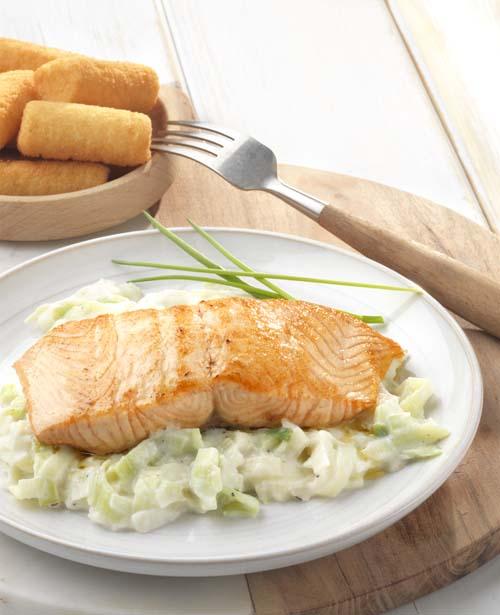 Que Manger Avec Du Saumon : manger, saumon, Recette, Saumon, Poêlé, Poireaux, Béchamel, (bébé, Mange, Vous), Colruyt, Cuisine