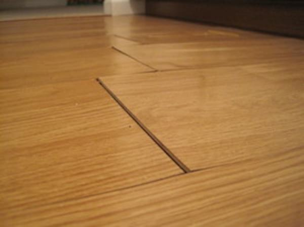 comment nettoyer un parquet stratifie