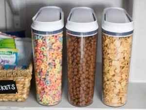 Des boites en plastique pour ranger les céréales