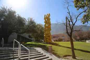 Recibe la Universidad de Monterrey la acreditación AACSB