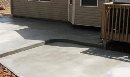 concrete patio cost how much to pour