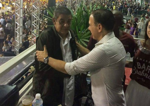 Temer, Lula, Gilmar e Crivella são alvos no carnaval politizado; Zeca Pagodinho vira meme com Doria