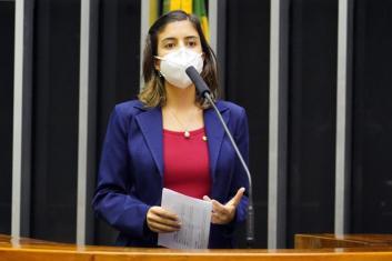 Tabata Amaral (PDT - SP), em votação no início de maio <div class='fotografo'>Pablo Valadares/Câmara dos Deputados</div>