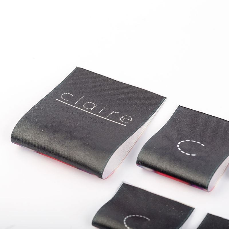 Stoffen Kledinglabels met logo of merknaam Etiketten